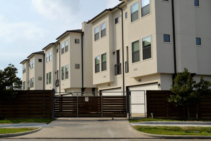 Gated community security tips every officer should know
